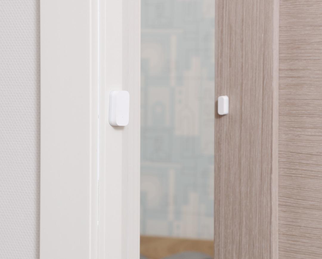 Zigbee hub works with door window sensor