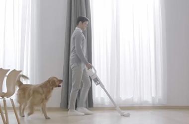 狗狗掉毛让人抓狂 睿米吸尘器帮你忙
